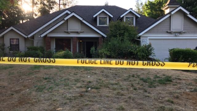 Criança de dois anos morre ao disparar arma contra si