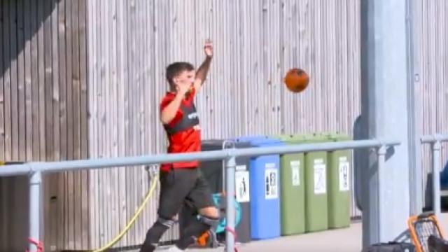 """""""Quem precisa de uma bola redonda?"""" Wolves 'reapresenta' Rúben Neves"""