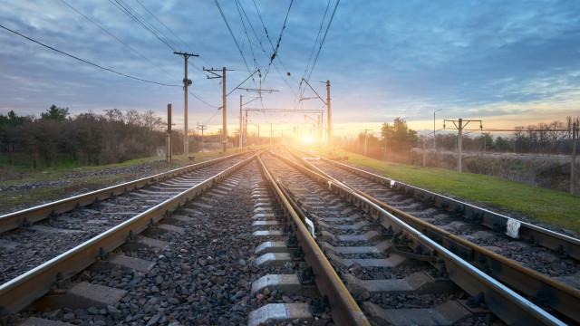 Homem morre colhido por comboio em Faro