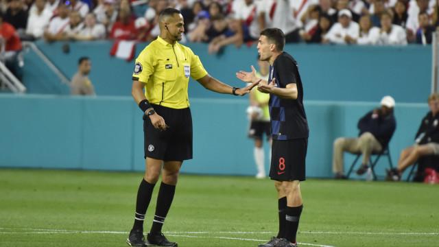 Croata despedido depois de surgir em vídeo polémico com jogador