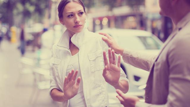 Mais de metade dos homens acha que dizer piropos é errado, diz estudo