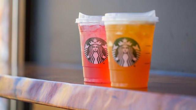 Starbucks segue exemplos mais sustentáveis e diz não às palhinhas