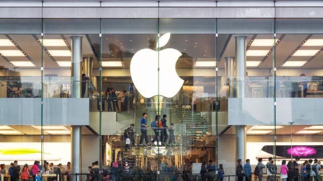 Estudante invade servidores da Apple e rouba ficheiros