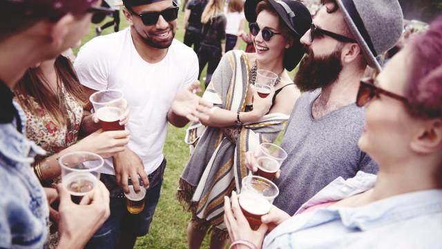 Em ambiente de festival, bastam cinco passos para proteger os olhos