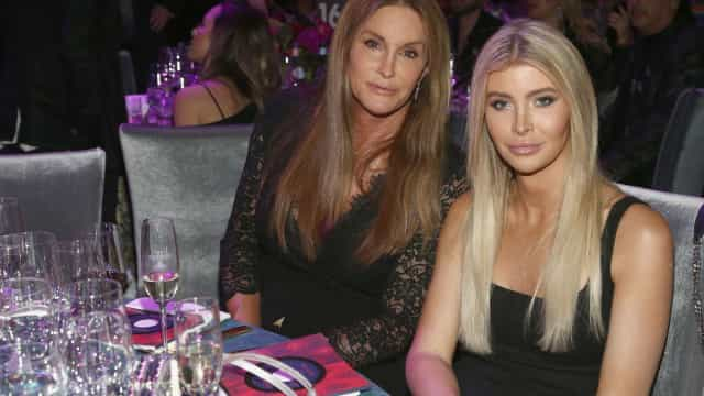 Namorada de Caitlyn Jenner quebra silêncio sobre relacionamento