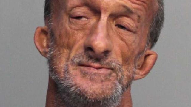 Sem-abrigo amputado dos dois braços acusado de esfaquear turista nos EUA