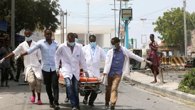 Explosões e tiroteio junto ao Palácio Presidencial da Somália