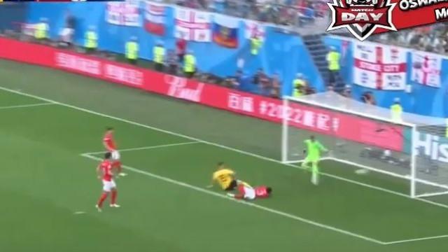 Meunier surgiu 'à ponta-de-lança' e inaugurou o marcador para a Bélgica