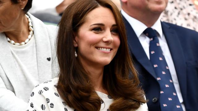 Sabe qual a cor que Kate Middleton nunca usou nas suas roupas?