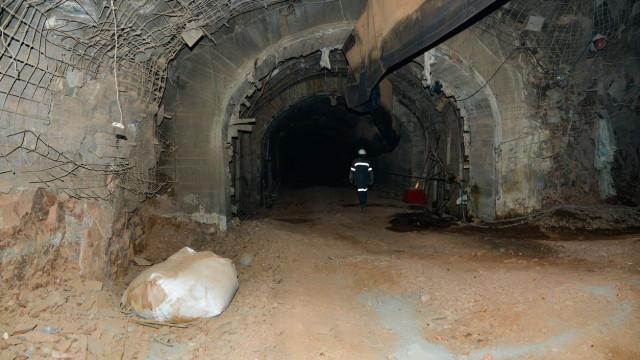 Cinco mineiros mortos em incêndio em mina de cobre na África do Sul