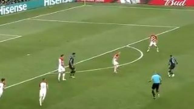 Mbappé mostra credenciais a título individual com golaço que deu o 4-1