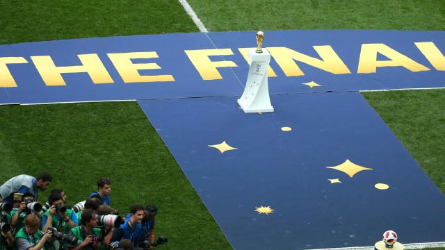 O momento da entrega da Taça e da consagração do novo campeão Mundial