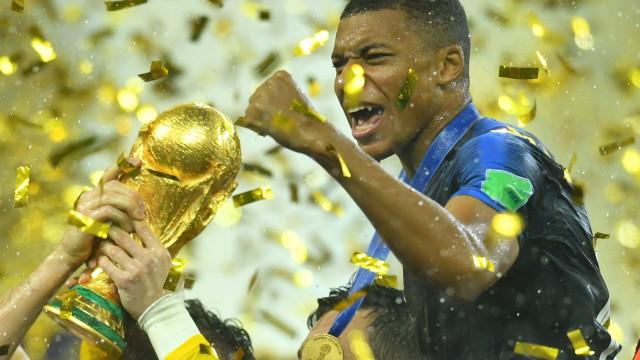 """Mbappé: """"Não estou apenas de passagem pelo futebol"""""""
