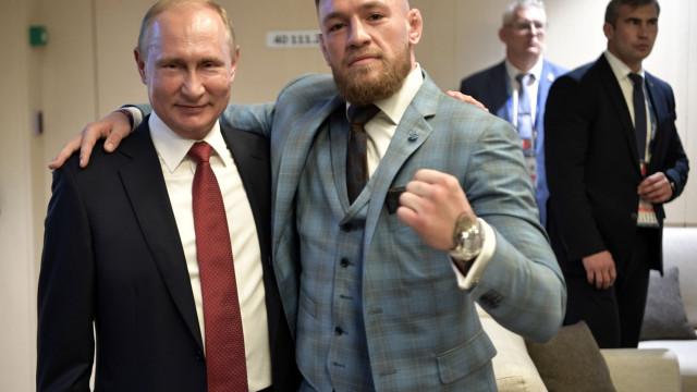 "Conor McGregor viu final com convite de ""grande líder"" Putin"