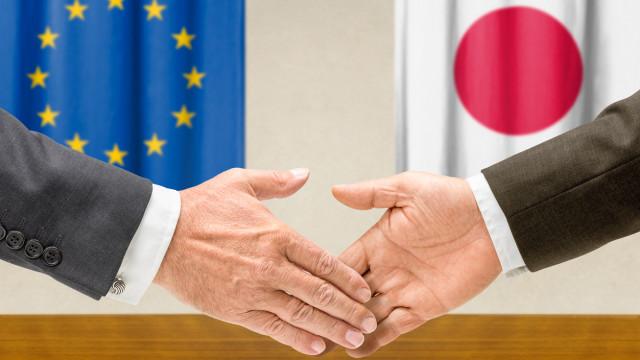 União Europeia e Japão assinam amanhã acordo de comércio livre
