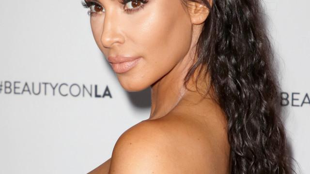 Mãe 'babada': Kim Kardashian partilha momento ternurento