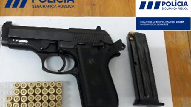 Cadastrado detido por posse de arma de fogo ilegal