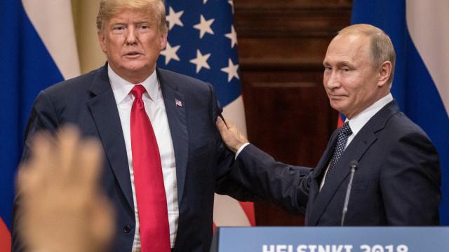 Trump responde a críticas de encontro com Putin e inventa síndrome