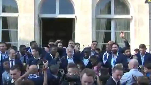 Franceses são Campeões do Mundo e dedicam cântico a N'Golo Kanté