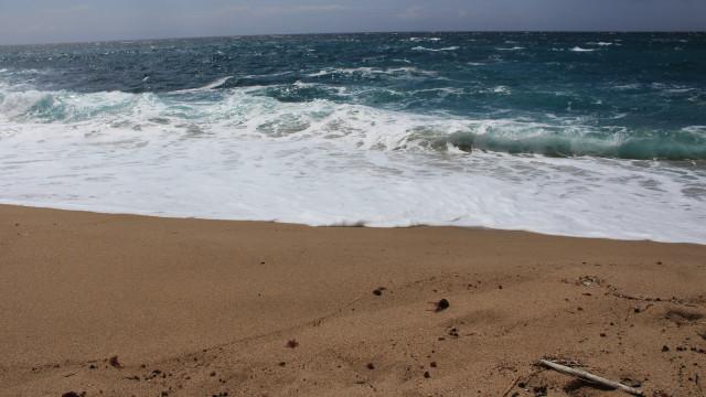 Homem morre em acidente com embarcação na praia do Meco