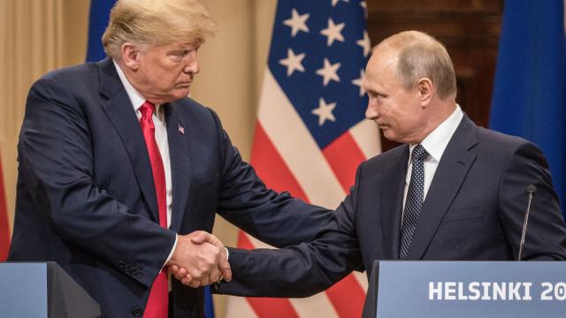 Putin e Trump abordaram possibilidade de referendo no leste da Ucrânia