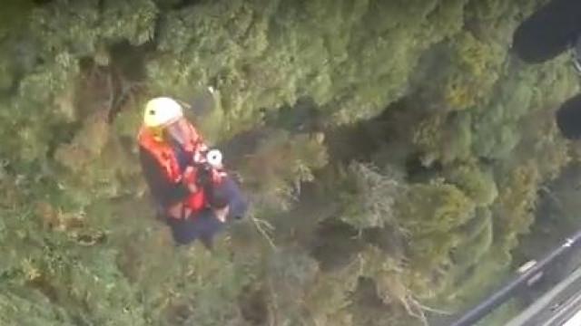 Força Aérea salva homem perdido há três dias numa ravina nos Açores
