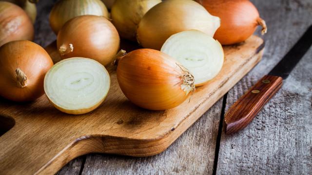 Há 'mil e um' motivos para comer cebola diariamente