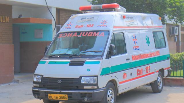 Bebé morreu dentro de ambulância à porta de hospital. Portas emperraram