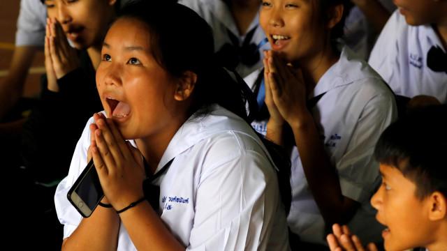 Crianças tailandesas resgatadas de gruta já saíram do hospital