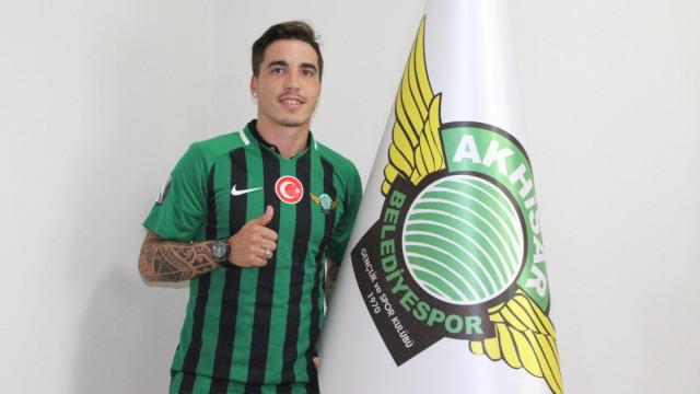Oficial: Josué muda de clube na Turquia