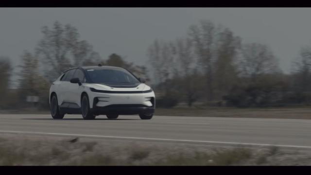 Rival da Tesla partilha novo vídeo com o seu carro elétrico