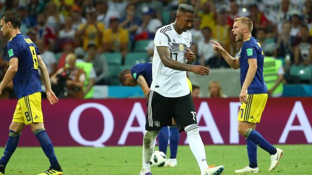 Boateng já ligou a Mourinho para dar resposta final