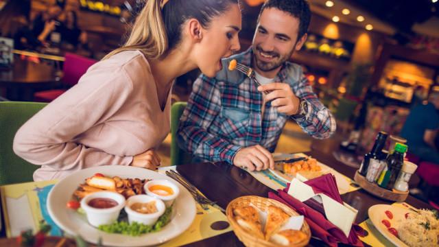 Descubra estas dicas infalíveis para comer menos à noite
