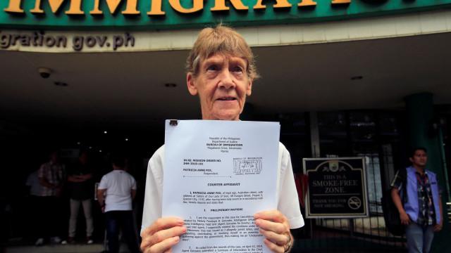 """Filipinas deportam freira australiana de 71 anos. Era """"um risco"""""""