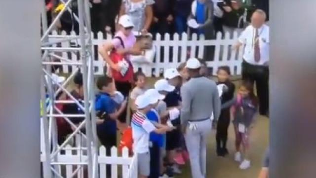 O arrogante gesto de Tiger Woods que deixou crianças desoladas