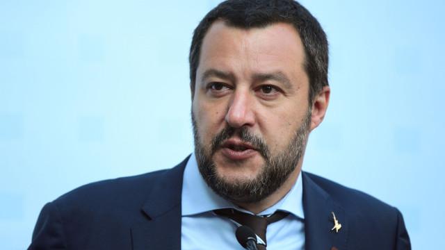 Salvini ordena expulsão de refugiados de localidade italiana