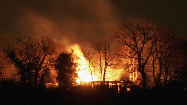 Extinção de fogos florestais na Suécia poderá demorar semanas
