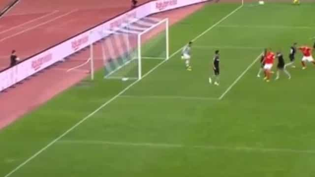 Reforço do Benfica tem 'faro' de golo. Castillo volta a balançar as redes