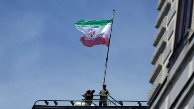 UE anuncia nova legislação para proteger empresas europeias do Irão