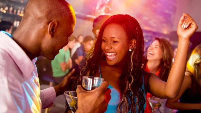 Os solteiros estão mais propensos a fazer isto… identifica-se?