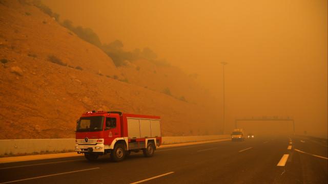 Fogos na Grécia causam pelo menos 24 mortos e mais de 100 feridos