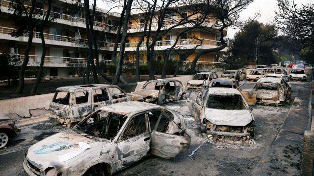 Voltou a subir número de mortos na Grécia. São já 60 as vítimas