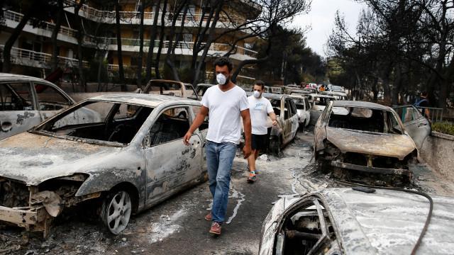 Aldeia grega de Mati desaparece após incêndios descontrolados na Grécia