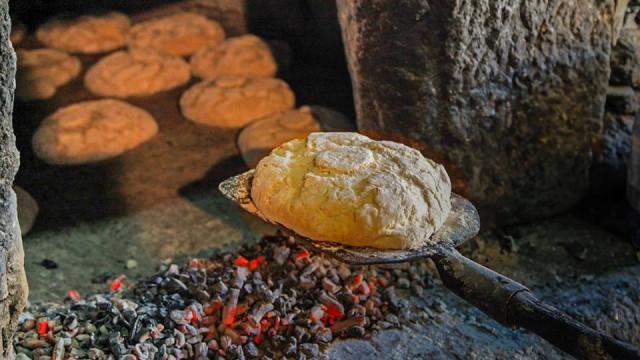 Pão dá mote a festival de cultura popular em aldeia da Guarda