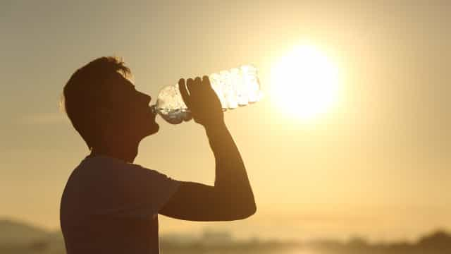 O leitor perguntou: Será que beber água a mais pode ser letal?