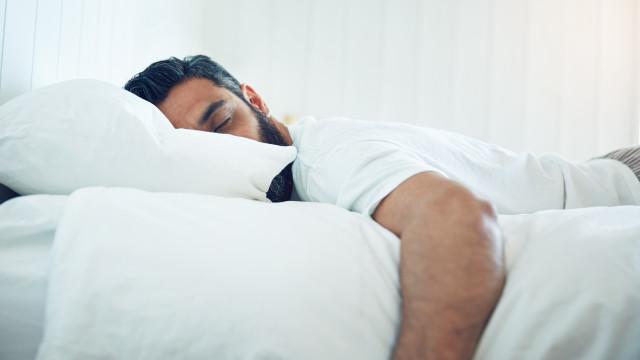 Estimulação cerebral durante o sono é usada para melhorar a memória