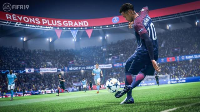 """'FIFA 19' é """"o melhor jogo de sempre de futebol"""""""