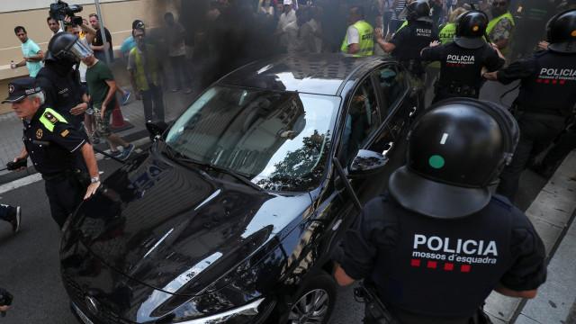 As imagens da manifestação dos taxistas que acabou em violência