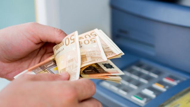 Portugueses no Luxemburgo fazem fila para levantar dinheiro da CGD
