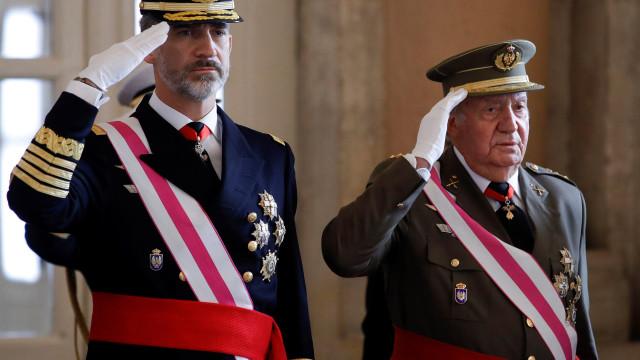 """""""Felipe, divorcia-te de uma vez"""", disse Juan Carlos ao rei de Espanha"""